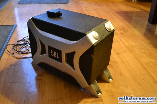 te koop jbl bass pro ii. Black Bedroom Furniture Sets. Home Design Ideas